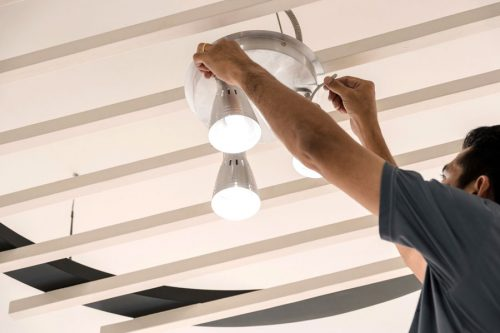 Servicio de instalación de iluminacíon y apliques eléctricos