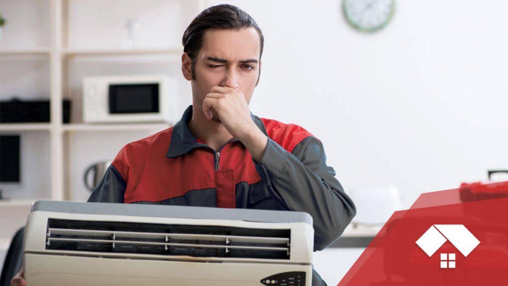 ¿Por qué huele mal el aire acondicionado?