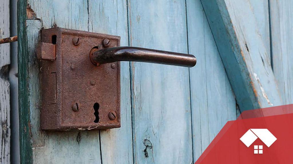 Cerradura atascada por oxidación