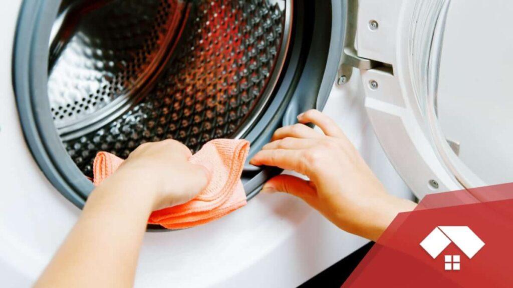 limpiar o cambiar la goma de la lavadora