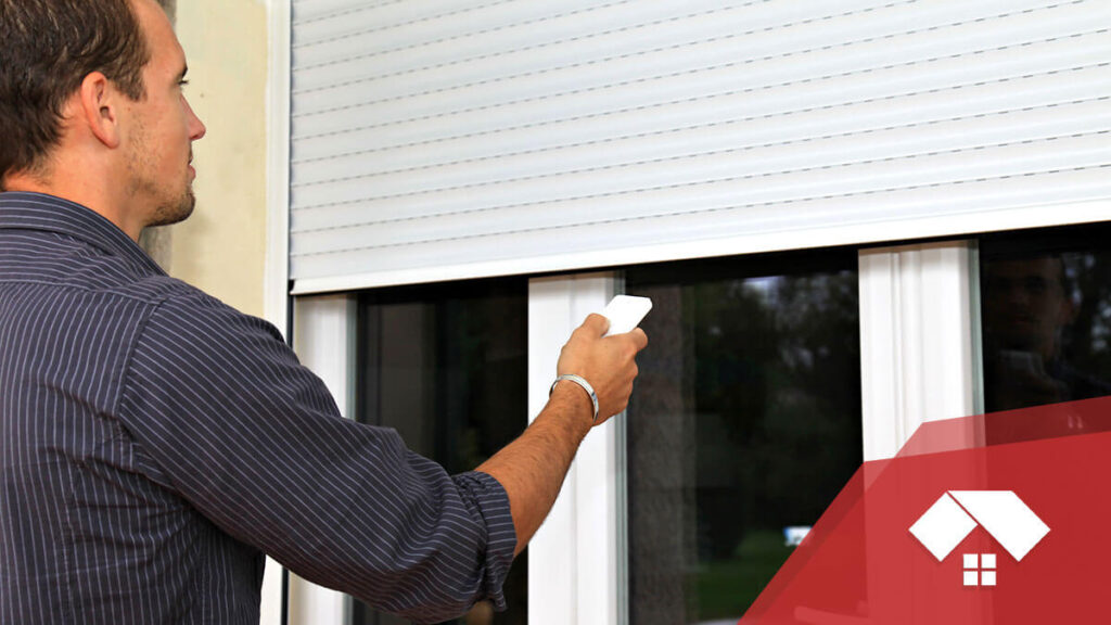 accionar persiana exterior con mando a distancia